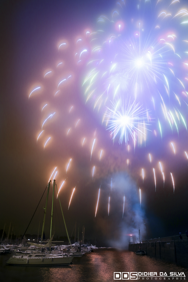 Feu artifice - Reveil de Saint Jacques 2015 - Morbihan - France.jpg