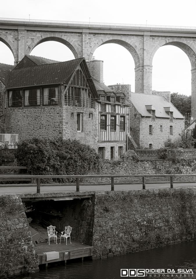 Le pont de Dinan - France.jpg