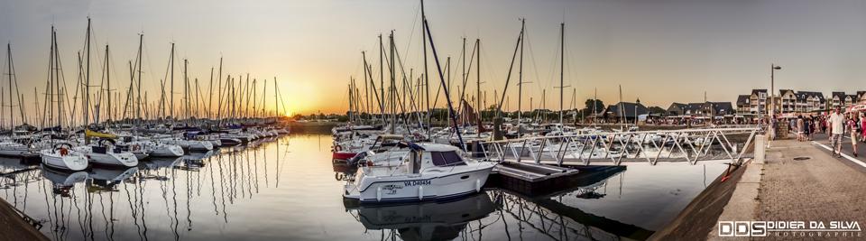 Panorama couché de soleil sur le port du Croisty - Arzon - Morbihan - France