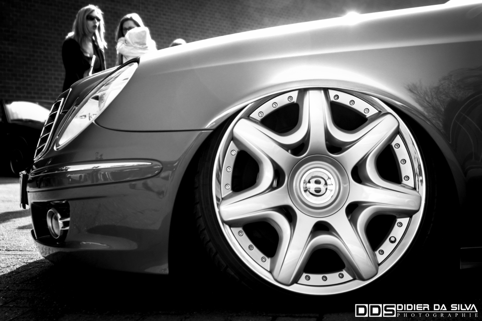 Meeting Anderlecht 2012 Mercedes Bentley wheels get low.jpg