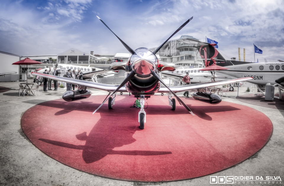 Paris Le Bourget 2013 - Beechcraft AT-6B.jpg