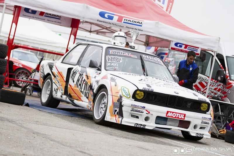 La BMW E30 de Nicolas Delorme et la coupe de la 3ème place