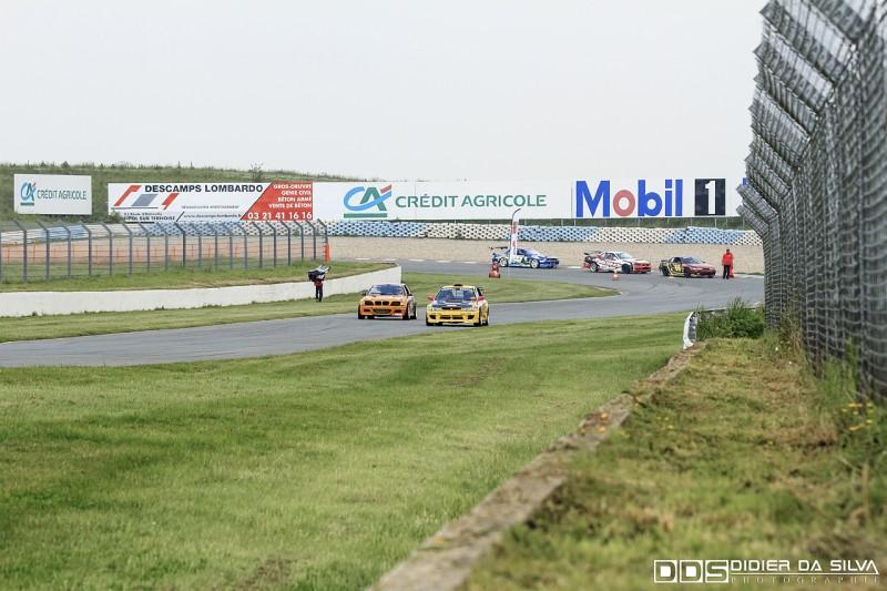 Ligne droite circuit Croix-en-Ternois Championnat de France Drift