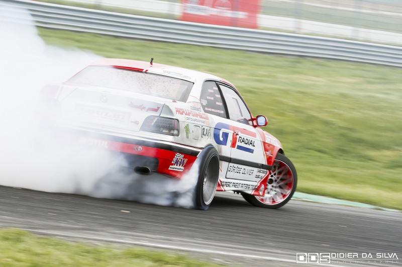 Benjamin Boulbes dans sa BMW E36 GT Radial drift
