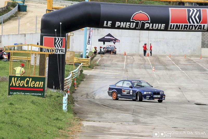 Laurent Porcaro et son BMW E36 qui progresse sur chaque round
