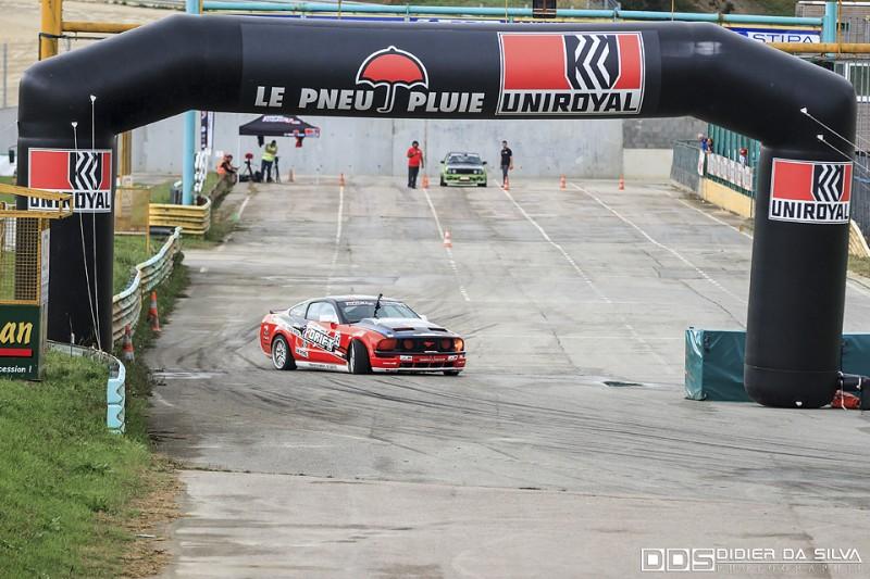Julien Fébreau dans la Ford Mustang Uniroyal du Championnat de France de Drift