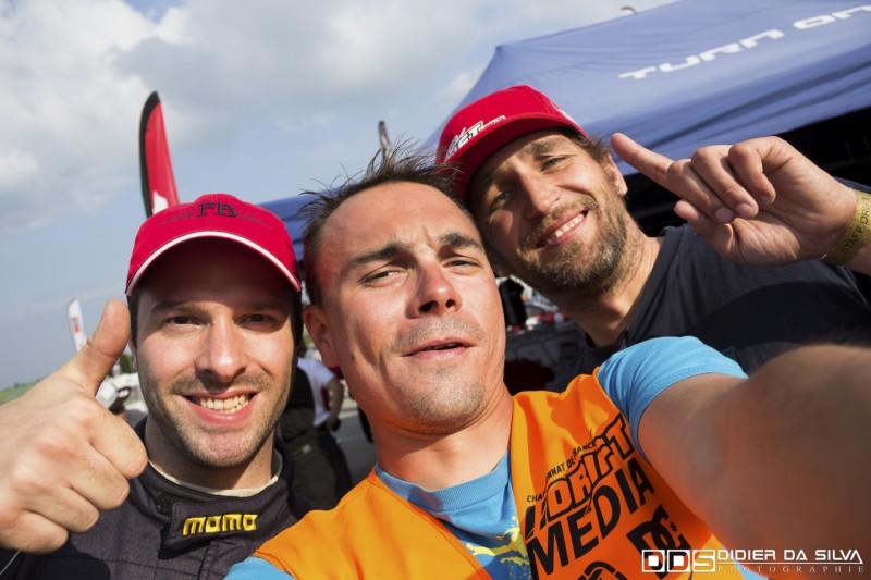 Julien Fébreau Didier Da Silva et Franck Montagny en plein selfie